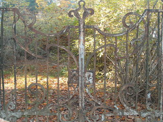 Ворота на виллу Рено